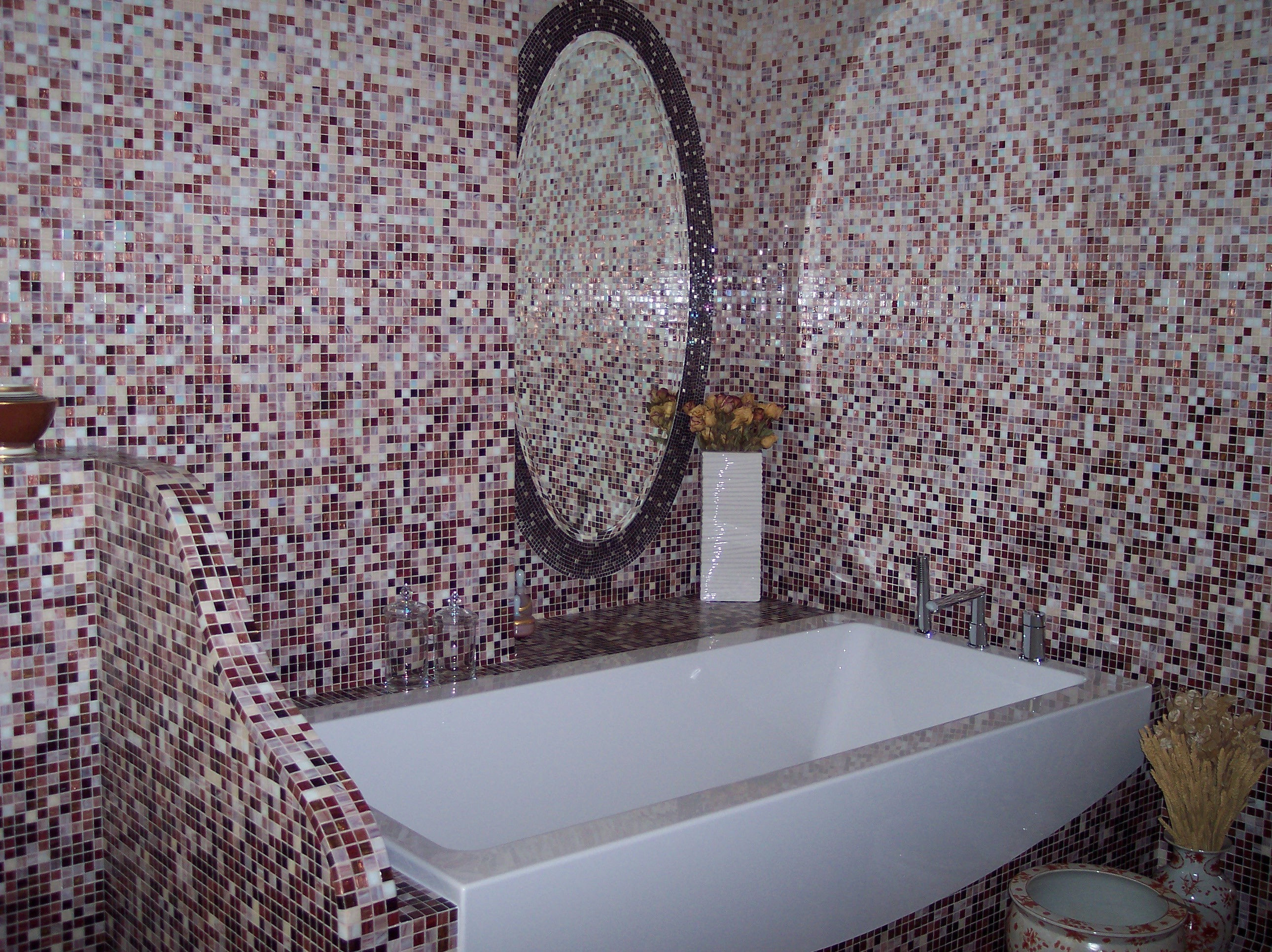 Walls mosaic without cutting, wall in andamento and encrusted mosaic mirror